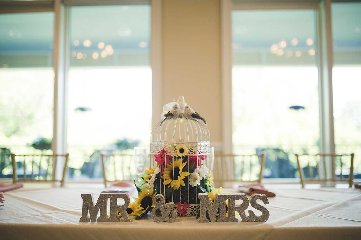 Detail shot of the sweetheart table arrangement