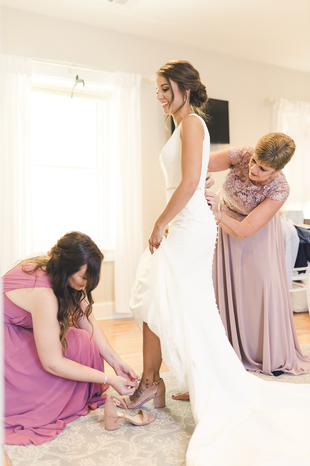 Bride getting ready at Riverdale Manor